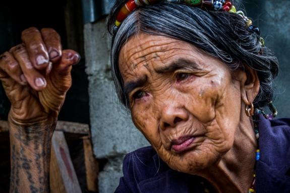 WHang Od Anciana tatuadora